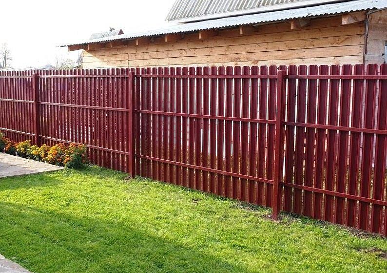 Купить забор из профнастила для дачи